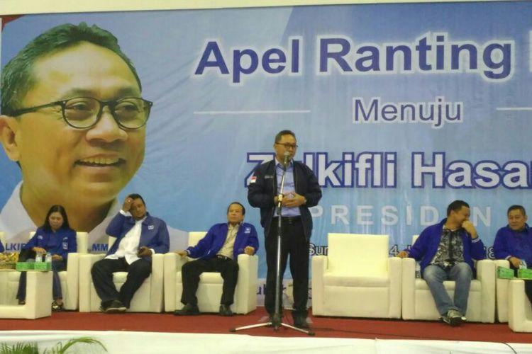Ketua Umum DPP PAN, Zulkifli Hasan di Solo, Jawa Tengah, Minggu (14/1/2018).