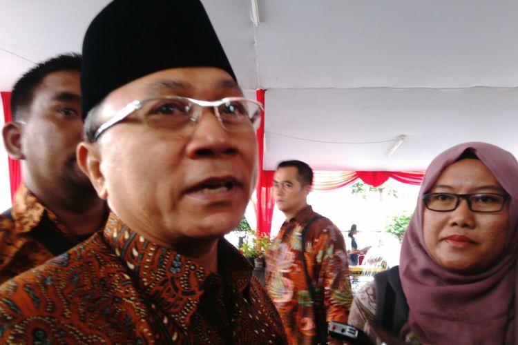 Ketua MPR Zulkifli Hasan di DPP PKS, Jakarta Selatan. Minggu (16/7/2017)