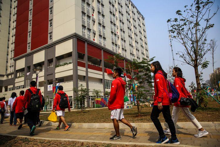 Para atlet peserta Asian Games 2018 dari berbagai negara tiba di Wisma Atlet Kemayoran, Jakarta Utara, Rabu (15/8/2018). Panitia Asian Games 2018 (INASGOC) mencatat sudah 1.483 Atlet dari 37 negara peserta yang menghuni Wisma Atlet Kemayoran.