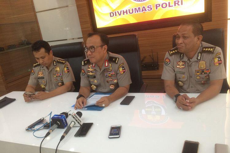 Kepala Biro Penerangan Masyarakat Divisi Humas Polri Brigjen Pol Dedi Prasetyo saat konferensi pers di Gedung Humas Mabes Polri, Jakarta Selatan, Selasa (8/1/2019).