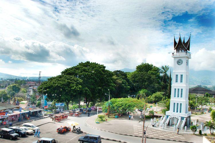 Menara Jam Gadang, ikon kota Bukittinggi, Sumatera Barat.