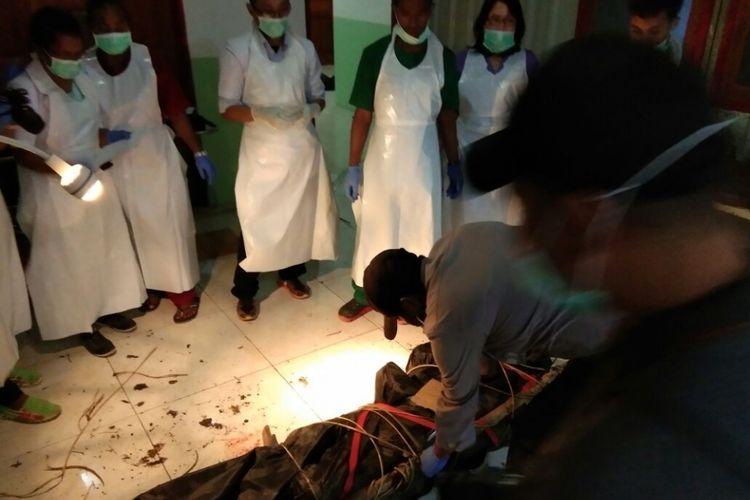 8 jenazah korban pesawat Dimonim Air saat berada di RSUD Oksibil (KOMPAS.com/Humas Polda Papua)