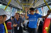 Jumat Pertama, Sandiaga Naik Bus Transjakarta ke Balai Kota