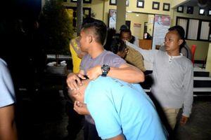 Tujuh Pelaku Pembakaran Mobil dan Motor Polisi Ditangkap