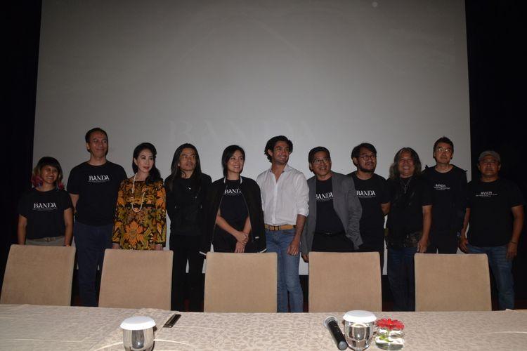 Tim produksi film dokumenter Banda The Dark Forgotten Trail menghadiri screening dan jumpa pers di XXI Plaza Indonesia, Thamrin, Jakarta Pusat, Rabu (27/7/2017) malam.