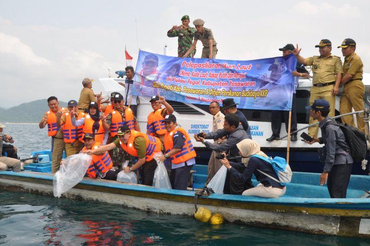 KKP melakukan restocking ribuan ikan nemo