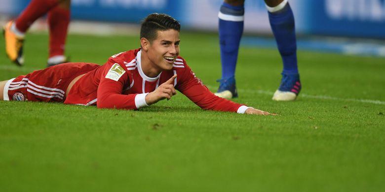 Gelandang Bayern Muenchen asal Kolombia, James Rodriguez, ketika tampil dalam pertandingan Bundesliga melawan FC Schalke 04 di Gelsenkirchen, 19 September 2017.