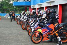 Komunitas Pengguna KTM, Berpacu di Sentul