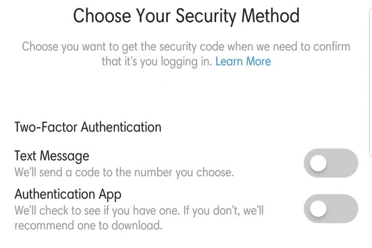 Dua opsi two-factor authentication, via SMS atau aplikasi.