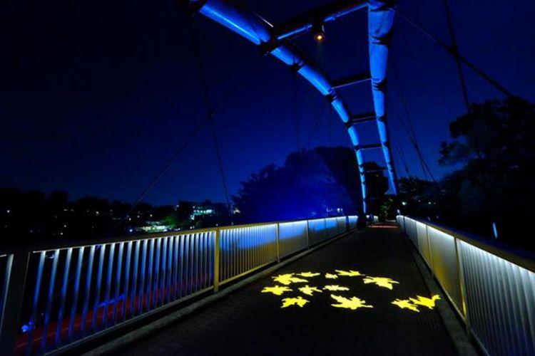 Light up di Wareiwa Bridge