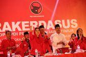 "Bertarung di Pilkada Jatim, Gus Ipul-Puti Susun Program ""Dik Dilan"""