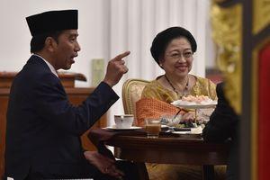 Istimewakan Golkar, Jokowi Dinilai Berusaha Lepas dari PDI-P