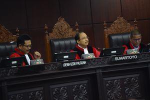 Berkas Tak Sesuai, Hakim Tak Bisa Verifikasi Alat Bukti Prabowo-Sandiaga
