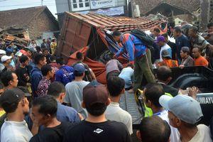 Kecelakan Maut di Bumiayu Brebes, Truk Tabrak Rumah, 11 Orang Tewas