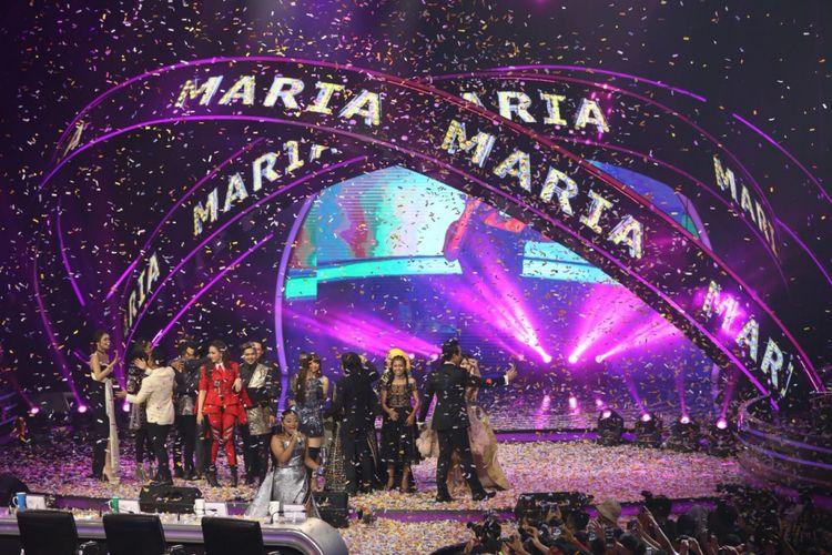 Maria Simorangkir juara setelah mengalahkan Ahmad Abdul di babak Result and Reunion Show Indonesian Idol 2018 yang digelar di Ecovention Taman Impian Jaya Ancol, Jakarta Utara, Senin (23/4/2018).