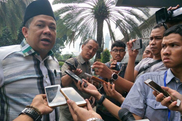 Wakil Ketua DPR RI Fahri Hamzah memenuhi panggilan ketiga penyidik Polda Metro Jaya terkait kasus dugaan pencemaran nama baik dan fitnah dengan terlapor Presiden Partai Keadilan Sejahtera (PKS) Sohibul Iman, Rabu (2/5/2018).