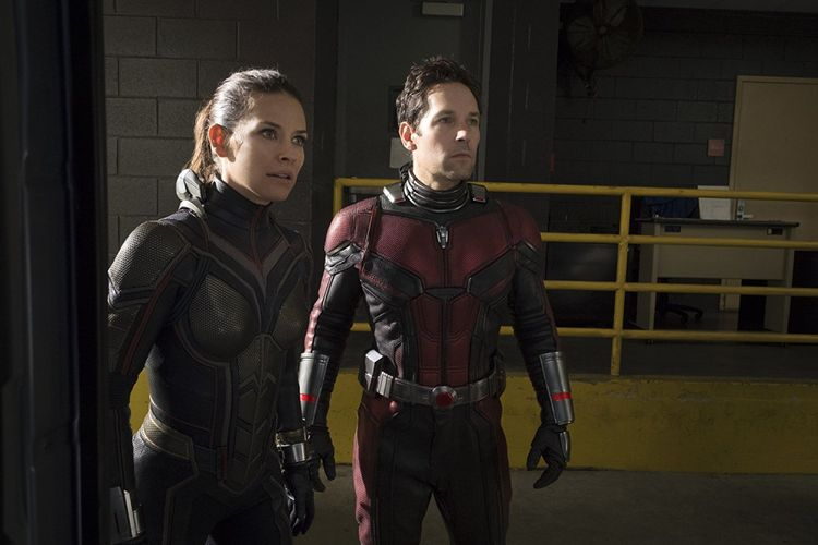 Evangeline Lilly dan Paul Rudd dalam film Ant-Man and The Wasp.