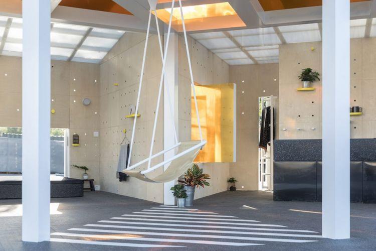bagian tengah rumah dirancang dengan memadukan konsep pekarangan di rumah tradisional China, yang disebut hutong.