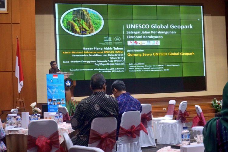 Komite Nasional Indonesia untuk UNESCO (KNIU) menggelar rapat pleno akhir tahun 2018 di Graha Utama Kementerian Pendidikan dan Kebudayaan (Kemendikbud), Jakarta (13/12/2018).