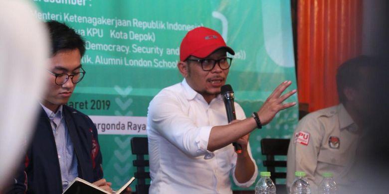 Menteri Ketenagakerjaan (Menaker) Muhammad Hanif Dhakiri dalam diskusi Millenial Voters untuk Pemilu 2019, di MUG Kafe, Depok, Senin (25/3/2019).