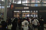 Ratusan Penonton Mulai Memasuki Area Konser Charlie Puth