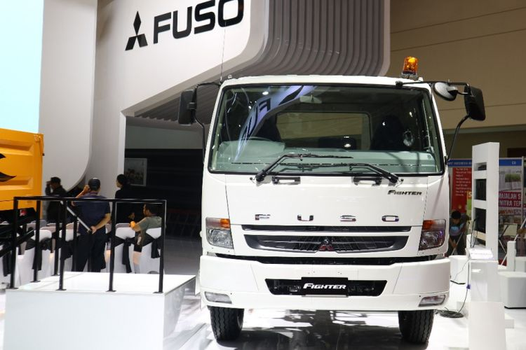 Mitsubishi Fighter, truk baru kelas medium.