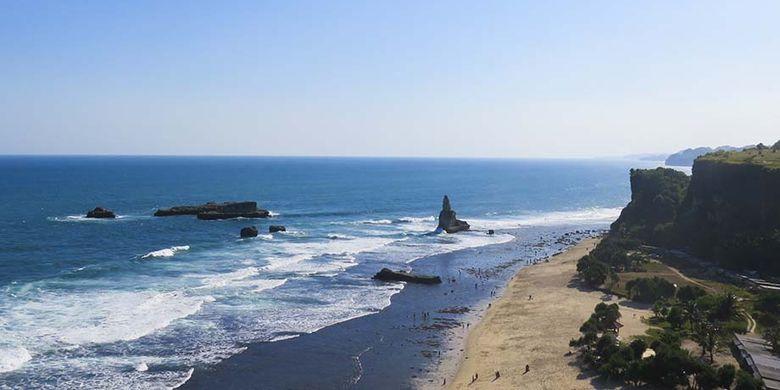 Keindahan Panorama Pantai Buyutan dari Ketinggian