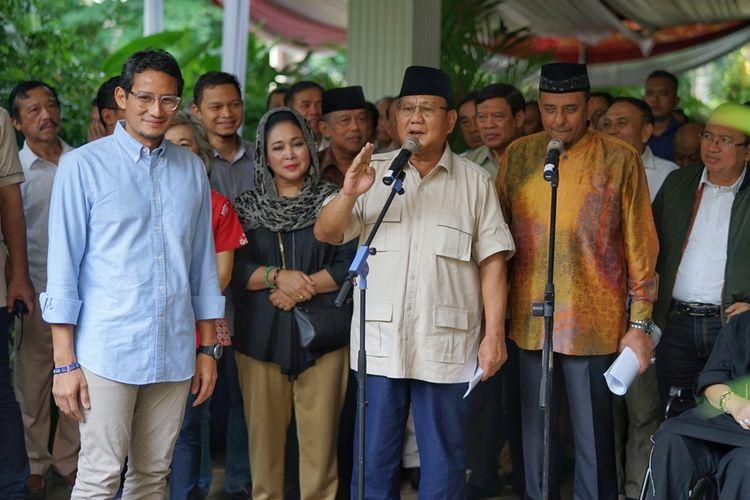 Calon presiden nomor urut 02 Prabowo Subianto saat menggelar konferensi pers dalam menyikapi hasil Pilpres 2019, di kediamannya, Jalan Kertanegara, Jakarta Selatan, Selasa (21/5/2019).