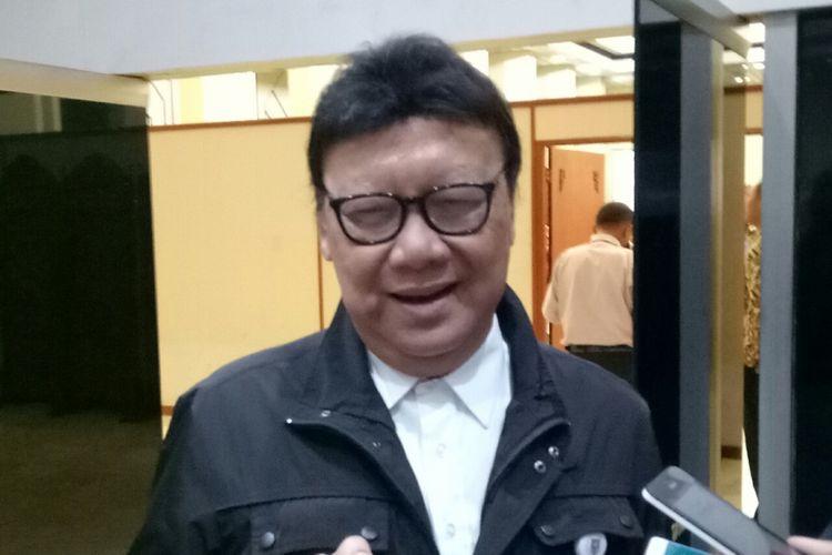 Menteri Dalam Negeri Tjahjo Kumolo di Kompleks Parlemen, Senayan, Jakarta, Rabu (4/10/2017)