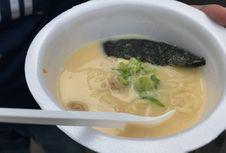 Lapar Saat Jalan-jalan di Ennichisai? Coba Cicipi Ramen Halal Ini