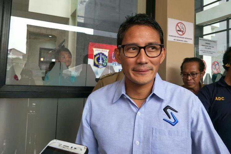 Calon Wakil Presiden nomor urut 02 Sandiaga Uno di Kantor Kelurahan Kayu Manis, Jakarta Timur, Selasa (30/4/2019)