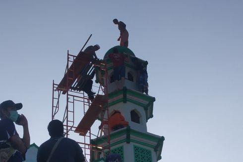 Seharian di Atas Menara Masjid, Pria ini Nekat Meloncat dari Ketinggian 15 Meter