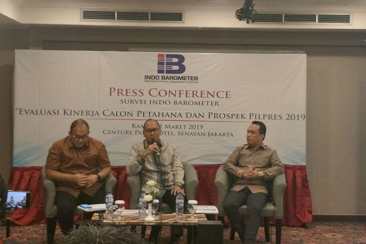 Lembaga survei Indo Barometer merilis survei elektabilitas dua pasang calon presiden dan wakil presiden 2019 di Hotel Century Park, Kamis (21/3/2019).