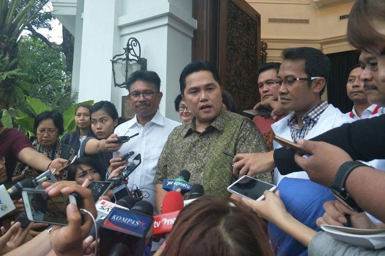 Ketua Tim Kampanye Nasional (TKN) Jokowi-Maruf, Erick Thohir, usai pertemuan di Resto Plataran, Kamis (18/4/2019).