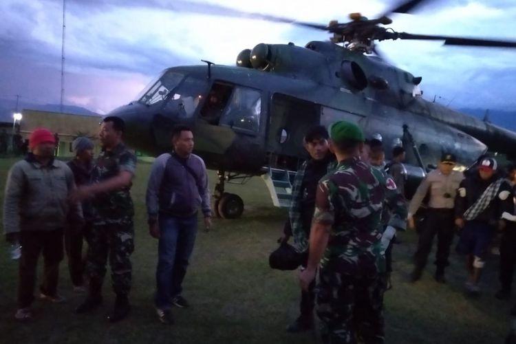 Para korban selamat saat berhasil di evakuasi dari Mbua menuju ke Wamena