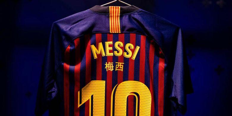 Jersey Barcelona yang menampilkan huruf China di bagian punggung pemain. Jersey ini akan digunakan  saat Barcelona menjamu Real Madrid pada leg pertama babak semifinal Copa del Rey.