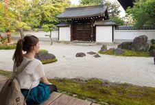 Mau Berlibur ke Jepang? Anda Bisa Menginap di Kuil Bersejarah