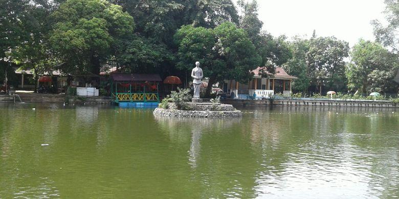 Taman Partini Tuin diambil dari nama putri KGPAA Mangkunegoro VII di Taman Balekambang Solo.