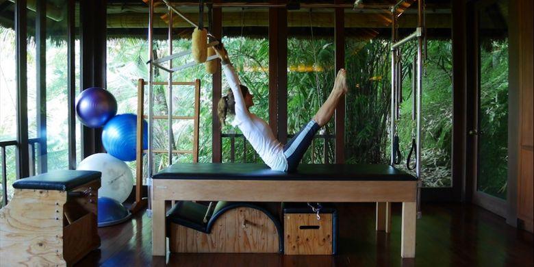 Pilates Studio di Como Shambala Estate, Ubud, Bali, Jumat (15/12/2017).