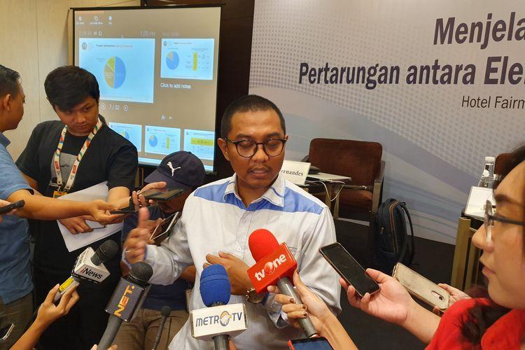 Peneliti CSIS Arya Fernandez saat merilis hasil survei di Jakarta, Kamis (28/3/2019).