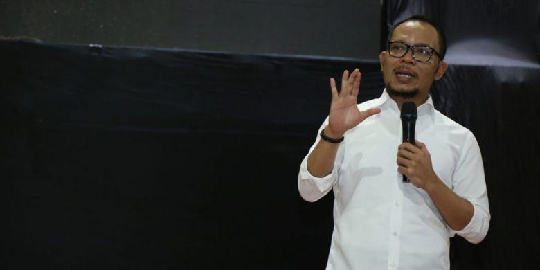 Menteri Ketenagakerjaan M Hanif Dhakiri saat menemui ratusan pengusaha Paguyuban Ritel Tradisional di Bekasi, Jawa Barat, Kamis (14/2/2019).