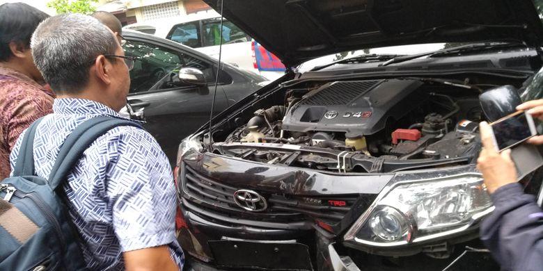 Tim investigasi Toyota pada Fortuner yang ditumpangi Setya Novanto