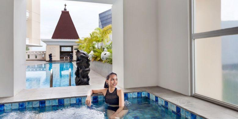 Fasilitas yang memanjakan konsumen, Jacuzzi di Hotel Novotel Semarang.