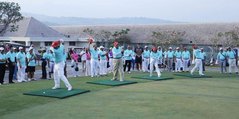 Universitas Prasetiya Mulya, Ikatan Alumni Universitas Prasetiya Mulya (IKAPRAMA) dan Perkumpulan Golf Prasetiya Mulya (PGPM) dalam gelaran Piala Rektor 2018 yang diadakan di Sentul (16/9/2018) untuk penggalangan dana beasiswa bagi mereka yang membutuhkan.