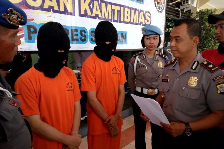 Dua pelajar pelaku Curas MA dan DT saat ditanyai Wakapolres Sleman Kompol Heru Muslimin alasan melakukan aksi perampasan tas.