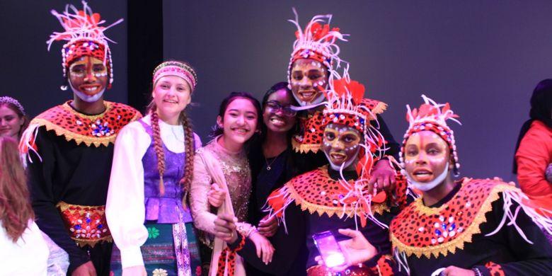 Siswi kelas X SMA Kesatuan Bangsa Billingual School Yogyakarta, Cinta Putri terpilih mewakili siswa Indonesia sebagai duta perdamaian dunia di ajang International Festival of Language and Culture (IFLC) 2019, di Amerika Serikat.