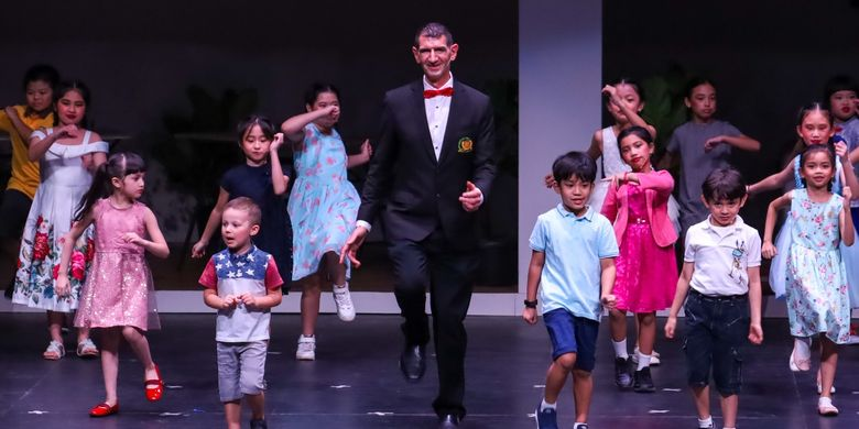 Binus School Simprug menggelar pertunjukan drama musikal yang dilakoni siswa dari jenjang TK hingga SMA mengangkat judul ?Superego? di Jakarta (12/4/2019).