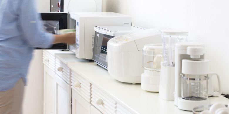 Ilustrasi peralatan rumah tangga yang listriknya bisa dikontrol dengan IonSmart.
