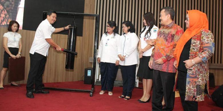 Wagub Sulut Buka Forum Interaktif Pengawasan Obat dan Makanan