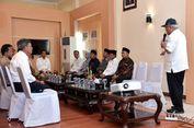 Tiba di Lombok, Jokowi Langsung Pimpin Rapat di Ruang Tunggu Bandara